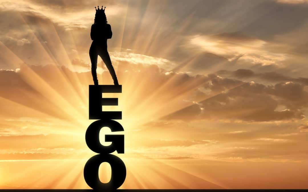 Se laisser dominer par le côté obscur de l'ego… ou pas